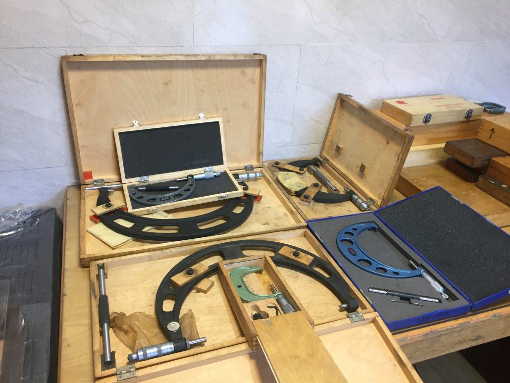 خدمات تراش و خدمات فرز CNC